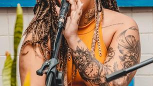 Feira Crespa completa seis anos com Live de roda de samba feminina