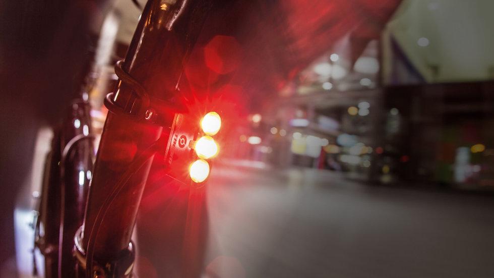 LUZ SUPERNOVA E3 Tail Light 2 Tija