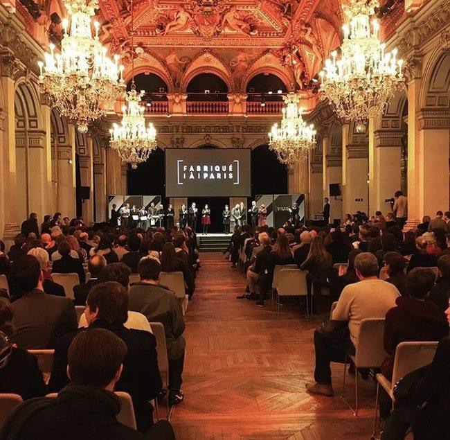Remise du label Fabriqué à Paris aux lauréats par Anne Hidalgo