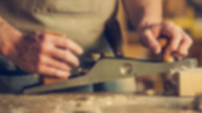 carpenter-close-up-hands-374861.jpg