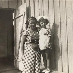 Faigie & her mother
