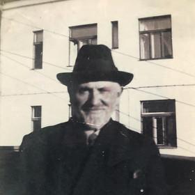 Faigie's paternal grandfather