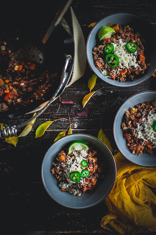 chili 3 bowls and dutch oven.jpg