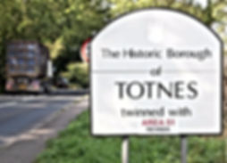 totnes twinned with area 51