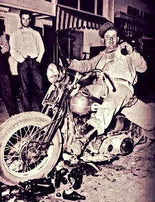 Eddie Davenport with August 'Gus' Deserpa at Hollister, CA, on July 7, 1947, by the San Francisco Chronicle's photographer Barney Petersen.