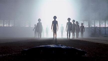 aliens greys leaving ufo