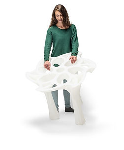 massivit-table-with-woman.jpg