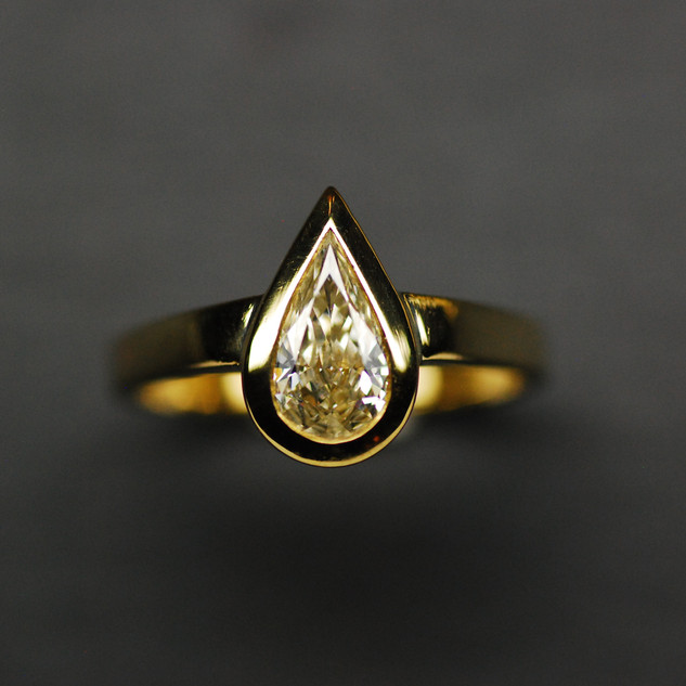 Diamant Tropfen Ring.JPG