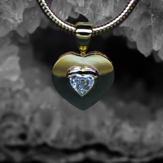 Gelbgold Anhänger Diamant-Herz.jpg