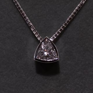 Weißgold Anhänger Diamant-Triangle.jpg