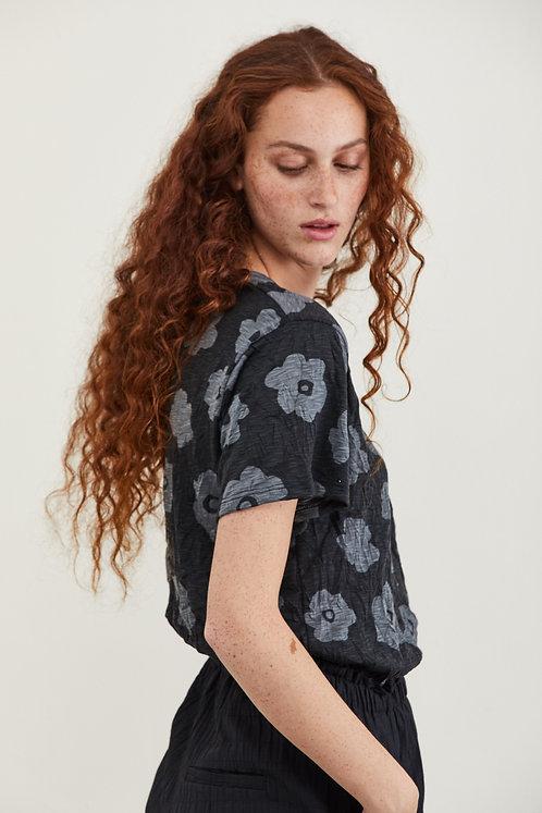 חולצת דבי - שחור פרחים