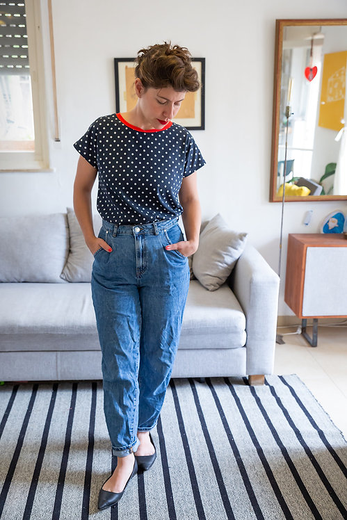 חולצת הילה -נקודות כחול ולבן
