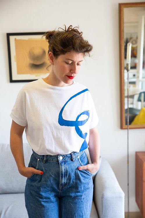חולצת רוני -לבן ציור כחול