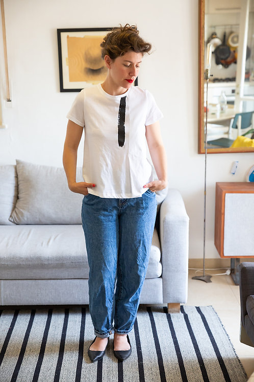 חולצת הדר -לבן הדפס שחור