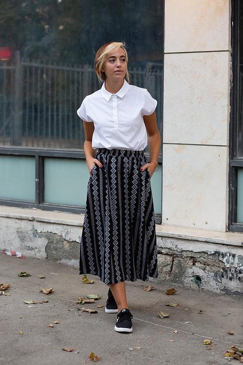 חצאית מישל - שחור רקמה