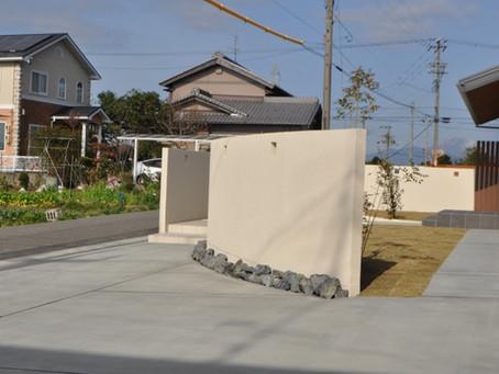(安八町W様邸) アールの曲線を綺麗に生かした塀