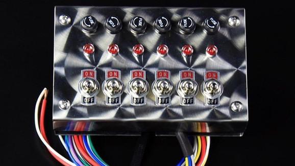 0015.6連ウロコスイッチボックス