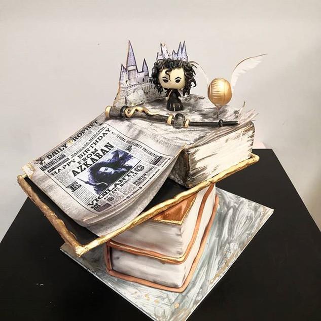 Pastel de Harry Potter con  Bellatrix Le