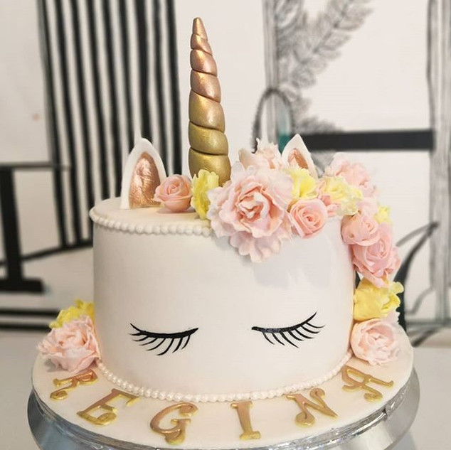 Hoy amo los pasteles de Unicornio. Debo