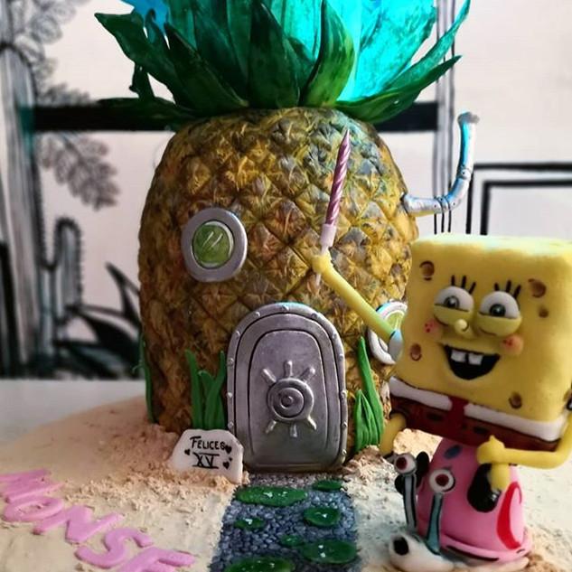 Vive en una piña debajo del mar... 🎶🎵