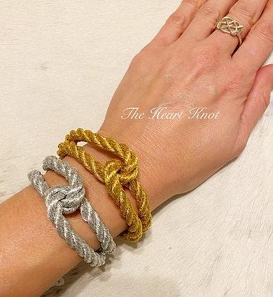 Interwoven Bracelet in Gold