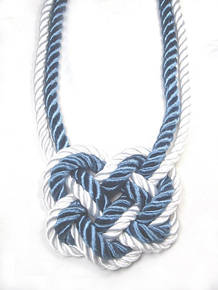 Sailor Knot (White outside)