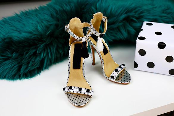 Pom pom spotty heels