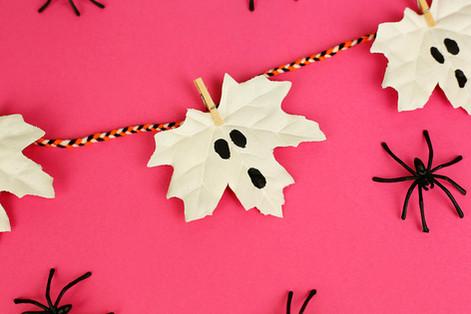 Ghostly leaf garland