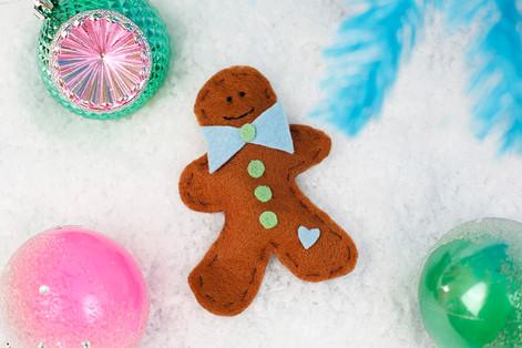 Gingerbread catnip toy