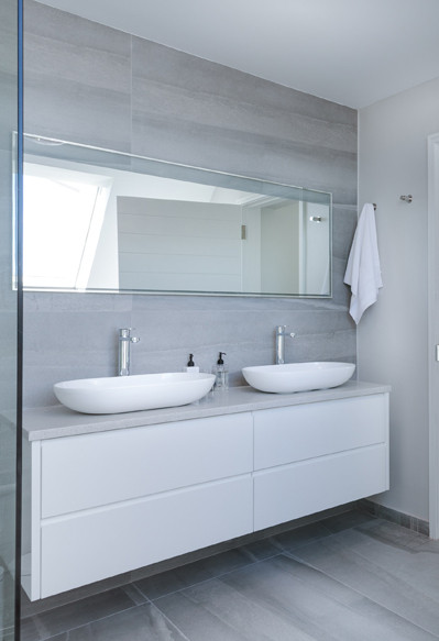 The Benefits Of Shower Wall Panels