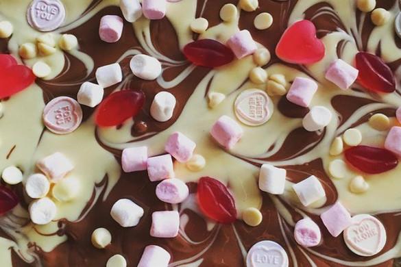 Valentine chocolate bark