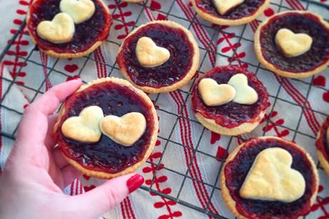 Heart jam tarts