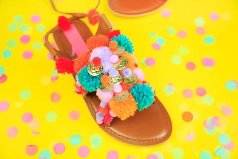 Pom-pom coin sandals