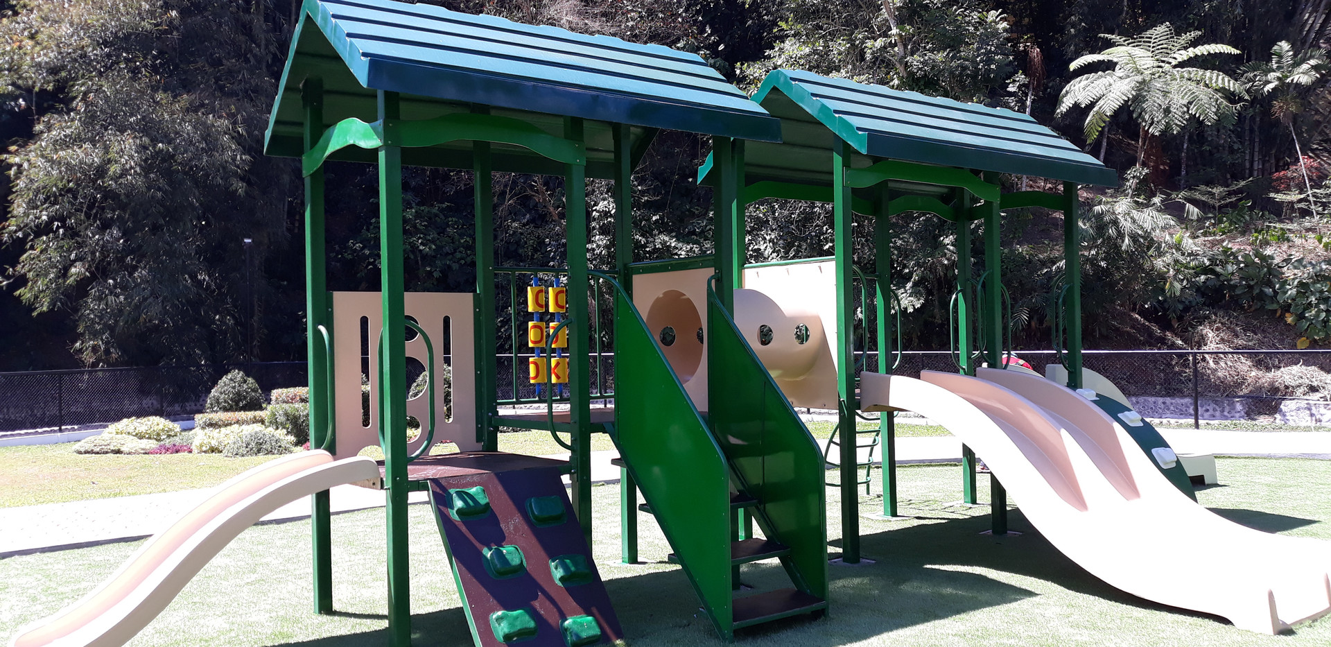 Play Equipment # 14  - Long Wave Slide - Big Twin Slide - Day Care Slide - Rock Climber - Crawl Tube - Roofing - Stair with panel - Design Panel  Lot Area: L-9 x W-4.5 Meter Suitable for age 3 to 7 yrs old