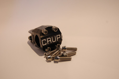 Titanium bolt kit for Crupi mini-stems
