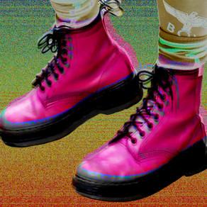 Fashion Identifier: Pink DM's.