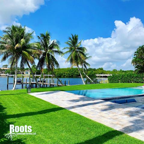 Jupiter, FL Modern Pool Landscape Design