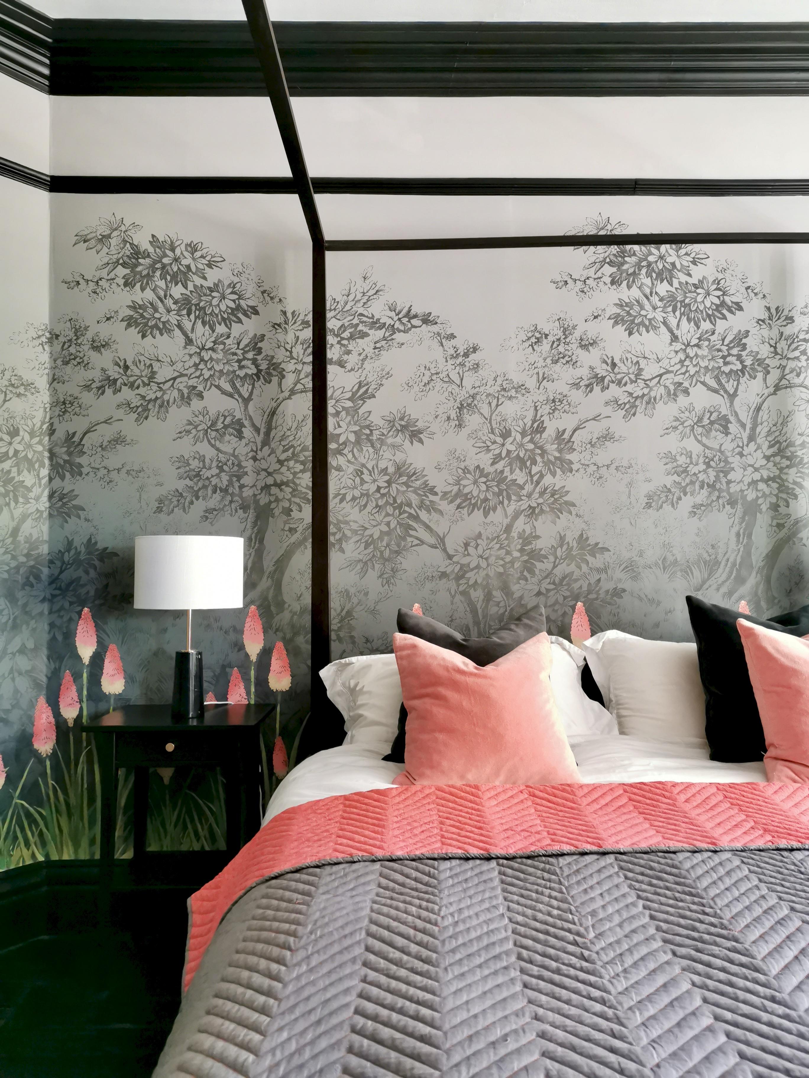 Upper Brook St Wallpaper