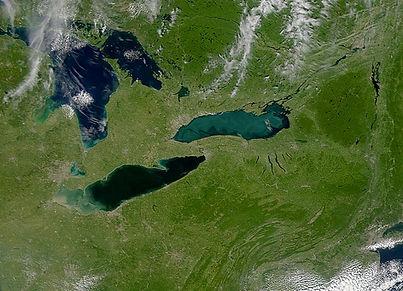 Lakes_Erie_and_Ontario_-_satellite.jpg