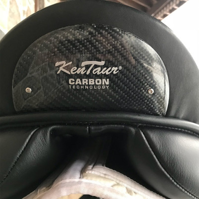 Ithaka Carbon Dressage Saddle