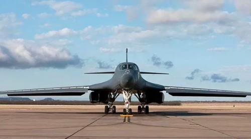 O bombardeiro B1 Lancer pode ganhar banheiro novo totalmente feito com impressão 3D (Foto: Divulgação Boeing)