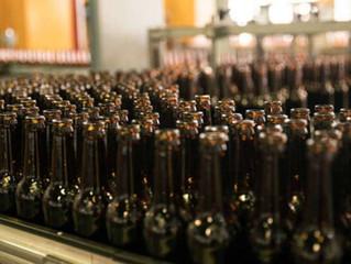 Como a Ambev faz garrafas de vidro – e as reúsa até 20 vezes