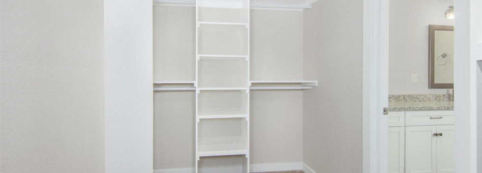 Hartland master closet.jpg