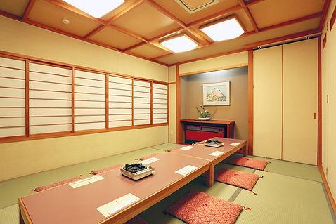 room_m.jpg
