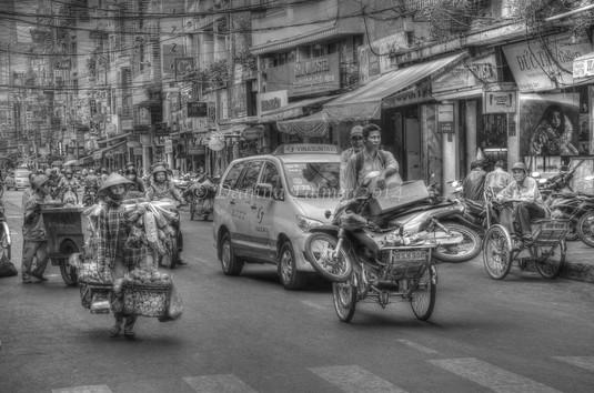 Saigon-Organised Chaos HDR.jpg