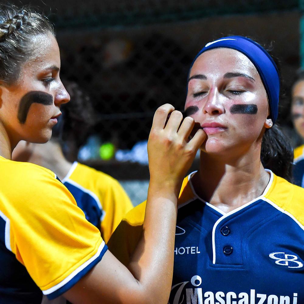 Captain Chiara Blasi assists her teammate in getting ready. PC: Cristiano Gatti