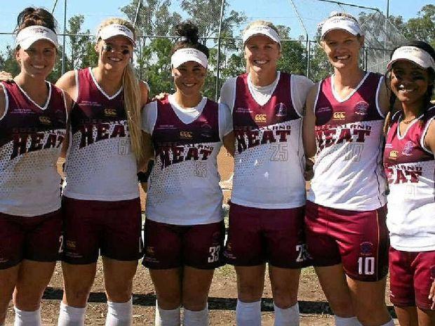 Vonk with Queensland Heat teammates PC: Sunshine Coast Daily