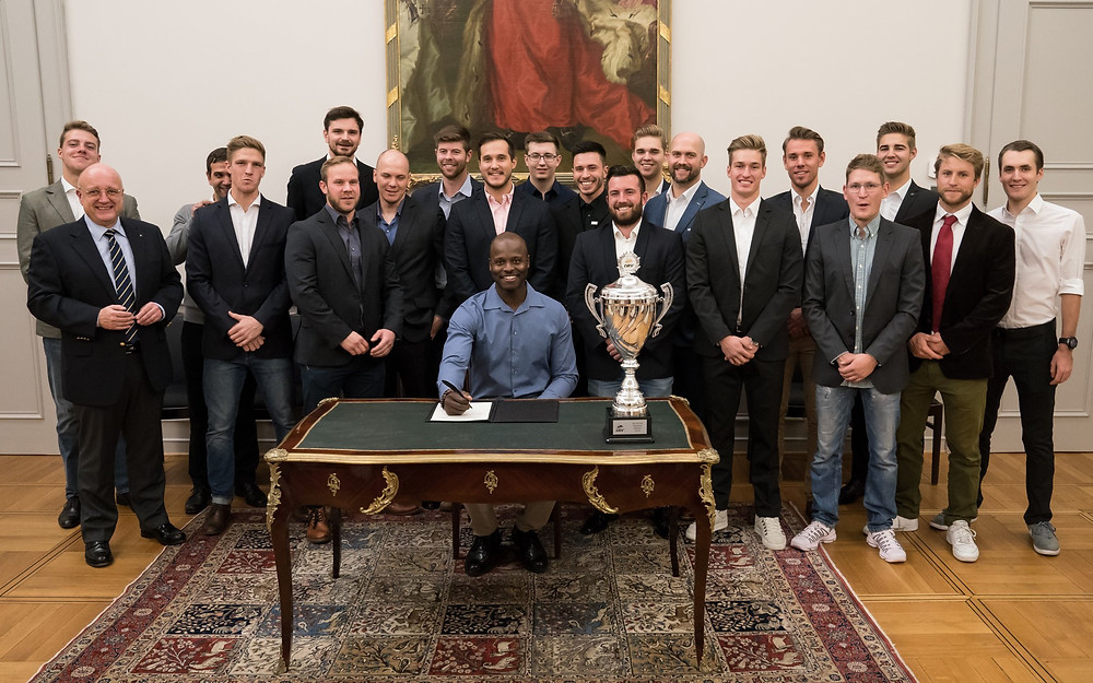 The Bonn Capitals signed into the City's Guest Book at the Old Town Hall PC: City of Bonn