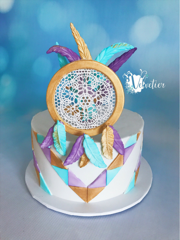Boho dreamcatcher cake by Velvetier Brisbane