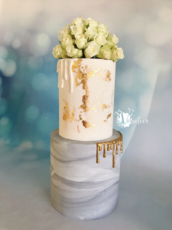 2 tier double barrel marble wedding cake with fresh roses by Velvetier Brisbane